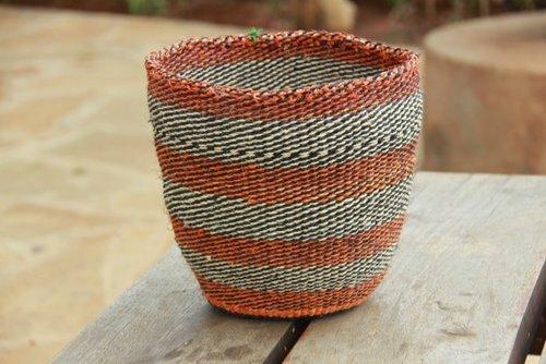 cesta-de-sisal-de-hogar-sostenible-o-ecologico