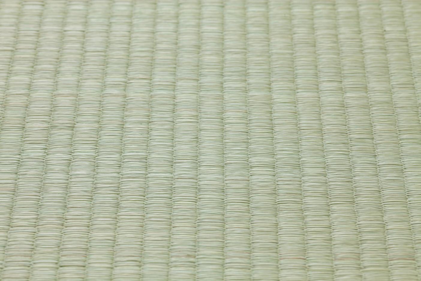 Tatami-de-paja-que-cubre-el-suelo-de-las-estancias-principales-en-una-casa-de-estilo-japonés-utilizan-materiales-naturales