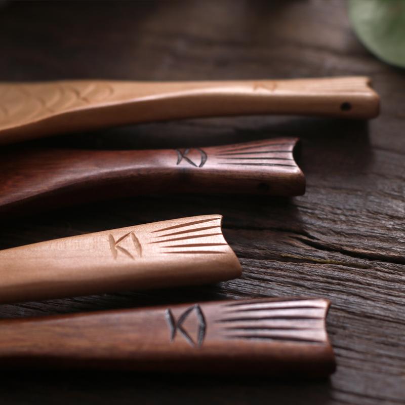 pequeña-cuchara-de-servir-de-madera-poison
