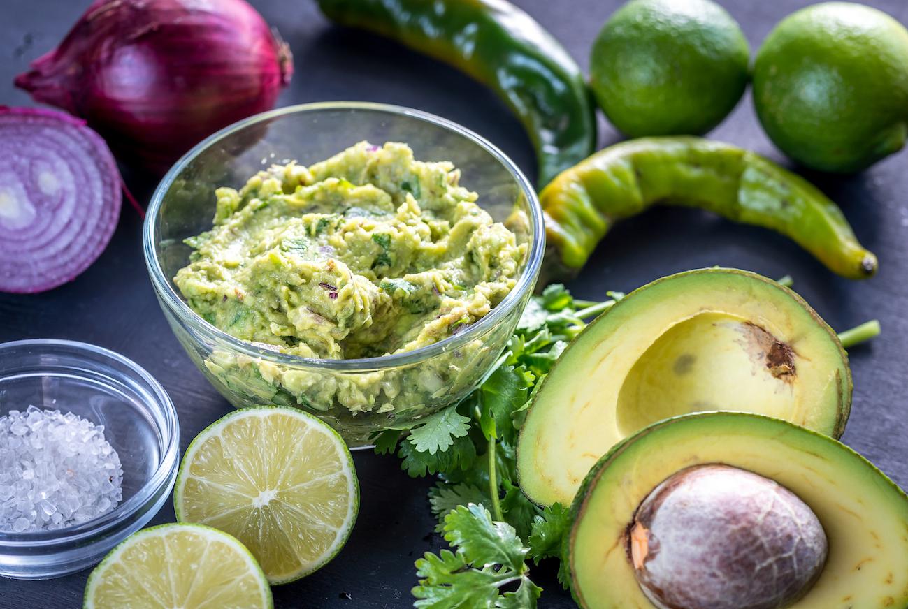 ingredientes-para-salsa-guacamole-