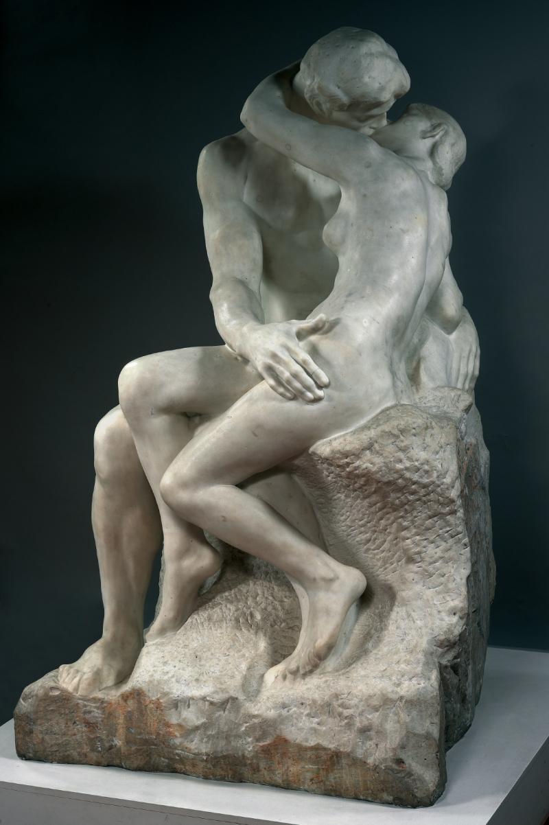 escultura-de-rodin-hombre-y-mujer-abrazados-besandose