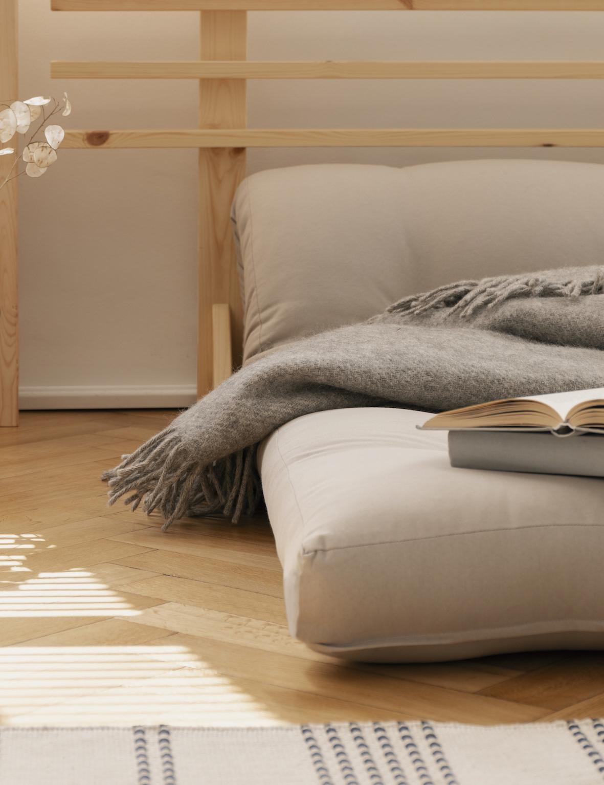 futon-de-algodon-en-dormitorio